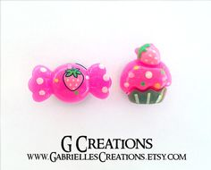 ON SALE - original price $15  CUTEST KAWAII EAR PLUGS ! Girly, colorful, hot pink Wrapped Candy and Cupcake with strawberries on 10 mm / 000 g candy- like acrylic plugs.  * Unique and one of a kind *  This listing is for ONE mismatched pair. You will be getting the exact ear plugs as in t...
