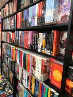 Best Romance Novels to read atleast once - Fault in our stars - The Notebook - Dreamology - Everything Everything - My Life Next Door - Me Before You Novels To Read, Books To Read Online, My Life Next Door, High School Romance, Best Romance Novels, Walk To Remember, Rainbow Rowell, Summer Romance, The Fault In Our Stars