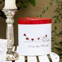 Briefbox zur Hochzeit in Rot mit Herzen