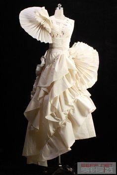 Fashion 101, Fashion Details, Couture Fashion, Fashion Show, White Fashion, Gothic Fashion, Skirt Fashion, Fashion Dresses, Muslin Dress