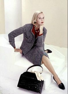 1957 Patsy Pulitzer in tweed suit by Davidow, photo by Frances McLaughlin-Gill