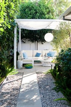 30 Small Backyard Ideas That Will Make Your Backyard Look Big. Gartenbank Selber  BauenGarten ...