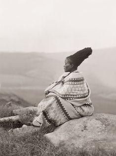 iluvsouthernafrica:  South Africa: Zulu woman, c early 1900s Photo by AM Duggan-Cronin