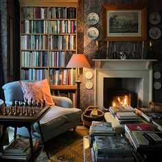 Cozy Home Library, Dream Library, Home Libraries, Dream Apartment, Cozy Room, Living Room Inspiration, Cozy House, My Dream Home, Decoration