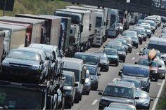 Unfallschäden werden am Dienstag, 17. März, im Bereich des Autobahndreiecks Drammetal behoben. Die Mitarbeiter der Autobahnmeisterei werden beschädigte Schut...