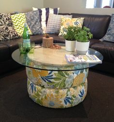 Recycled tyres and a pallet turn into a beautiful funky coffee table
