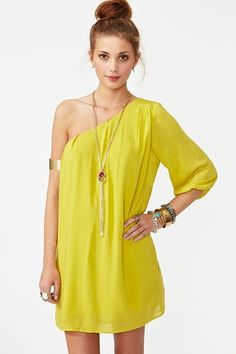chartreuse: off the shoulder and off the chain style