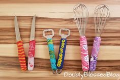 Clothes Hanger, Diy Gifts, Diy And Crafts, Tableware, Blog, Meier, Kindergarten, Personalized Items, Ideas