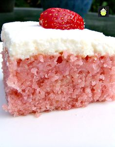Strawberry-and-Coconut-Poke-Cake-1.jpg (700×900)