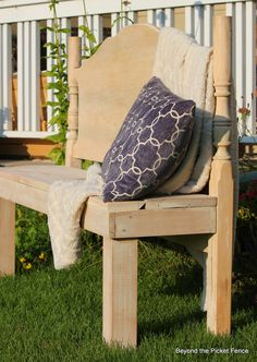 A Headboard Bench http://bec4-beyondthepicketfence.blogspot.com/2014/08/a-headboard-bench-that-makes-me-junker.html
