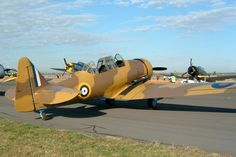 North American Harvard II restored in desert camouflage - North American T-6 Texan - Wikipedia - BFD
