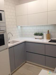 5 Ways to Optimize the Single Wall Kitchen Layout Design Ikea Kitchen, Kitchen Flooring, Kitchen Interior, Kitchen Decor, Kitchen Cabinets, Kitchen Small, Mini Kitchen, Kitchen Ideas, Kitchen Backsplash
