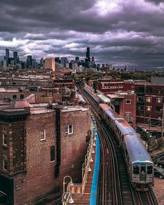 On an average weekday, people ride the CTA trains. Chicago City, Chicago Skyline, Chicago Illinois, Chicago Usa, Travel Around The World, Around The Worlds, Chicago Transit Authority, Trains, S Bahn