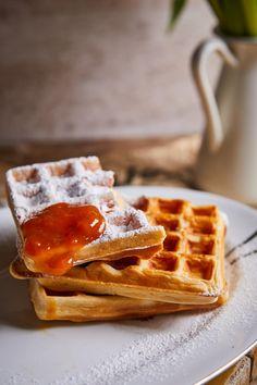 Íme a tökéletes élesztős gofri   Street Kitchen Easy Meals, Easy Recipes, Muffin, Cookies, Breakfast, Sweet, Food, Drinks, Desserts