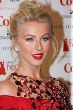Julianne Hough Red Lip and Eyes
