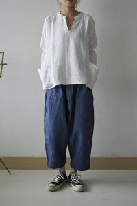 Inspiration for linen clothing - pibico: jujudhau forward with portraits coat, clothes Fashion Moda, Look Fashion, Womens Fashion, Fashion Design, How To Wear Culottes, Wide Pants, Loose Pants, Mode Inspiration, Creative Inspiration