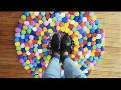 Como Hacer un Tapete de Pompones | Live Colorful - YouTube