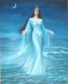 Iemanja est une séductrice de grande taille, une sirène de toute ...