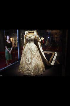 Queen Elizabeth's coronation dress 1953