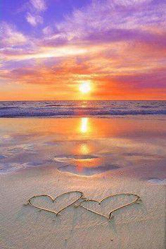 Perfect romantic beach sunset with hearts drawn in the sand. Perfect romantic beach sunset with hearts drawn in the sand. Beautiful Sunset, Beautiful Beaches, Beautiful Hearts, Amazing Sunsets, Hello Beautiful, Beautiful Life, Amazing Nature, Romantic Beach, Beach Romance