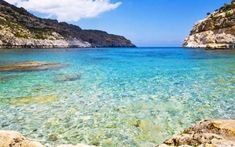 Le spiagge più belle di Rodi, assolutamente da vedere Rodi è una meta molto gettonata per le vacanze estive, di seguito vi proponiamo un elenco delle spiagge più belle dell'isola. L'isola è adatta a tutte le tipologie di vacanzieri, infatti potrete tro #rodi #grecia #spiagge