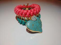 Coleccion In Love, en color rosado con turquesa + corazon engastado + broche en forma de timón con baño de oro 18k