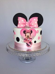 Minnie Mouse Cake Decorations, Minnie Mouse Cupcake Cake, Minni Mouse Cake, Mini Mouse Birthday Cake, Bolo Da Minnie Mouse, Mickey And Minnie Cake, Minnie Mouse Birthday Decorations, Mickey Cakes, 3rd Birthday Cakes