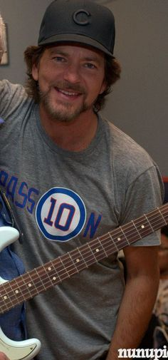 "vedderfelicemusicnstuff: "" Oh for God's sake. Look bad one time! I'm waiting. Mookie Blaylock, Ed Vedder, Pearl Jam Posters, Pearl Jam Eddie Vedder, Chris Cornell, Living Legends, Believe In God, Beautiful Soul, Rock And Roll"