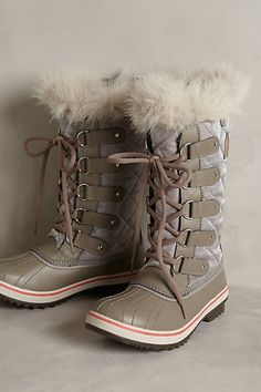 the ultimate winter boots - sorel tofino boots #anthrofave