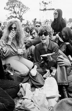 Jane Fonda Enjoys an Alfresco Meal During the Isle of Wight Pop Festival Jane Fonda, Isle Of Wight Festival, Rock Festivals, Hippie Peace, I Still Love You, Janis Joplin, Good Movies, Muse, This Is Us