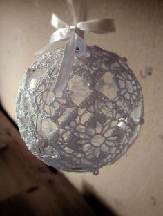 Kerstbal van Haken gemaakt ... Mooi !