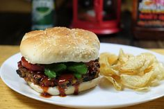 [Homemade] BBQ (Famous Dave's Devil's Spit) bean and Zucchini Burger http://ift.tt/2mj7ORw