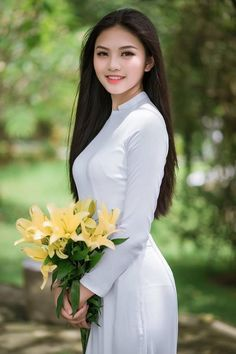 Bi che 'kem xinh', thi sinh Miss Teen tung anh ao dai dep me man - 6 Vietnamese Traditional Dress, Vietnamese Dress, Traditional Dresses, Lysandre Nadeau, Vietnam Girl, Ao Dai Vietnam, Beautiful Asian Women, Sexy Asian Girls, Asian Woman