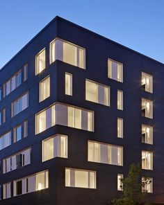 West Campus Housing - Phase I | Mahlum Architects; Photo: Benjamin Benschneider | Bustler