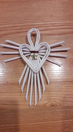 Sisal angel ornament s w – Artofit - Salvabrani Quilling Flowers Tutorial, Quilling Patterns, Quilling Designs, Easy Christmas Crafts, Christmas Wreaths, Christmas Decorations, Christmas Ornaments, Tree Decorations, Christmas Gifts