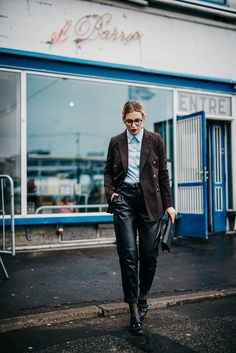 College, school, work style | edgy, formal | striped blazer and babyblue shirt from Baum & Pferdgarten