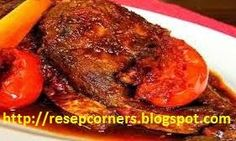 Resep cara membuat ikan bandeng bumbu bali pedas. Ikan bandeng merupakan salah satu ikan tawar yang rasa dagingnya cukup memanjakan selera makan para kuliner nusantara. http://resepcorners.blogspot.com/2014/06/resep-cara-membuat-ikan-bandeng-bumbu.html