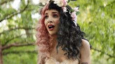 Videoclip: Melanie Martinez - Soap/Training Wheels - InfoMusic