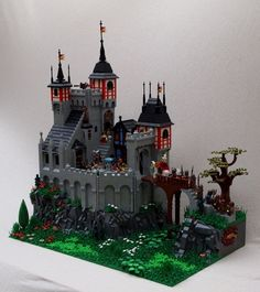 CCCXI Ald Wickeraus Castle (by Brother Steven) You liked it? Legos, Halloween Lego, Chateau Lego, Lego Burg, Castle Crafts, Small Castles, Lego Sculptures, Amazing Lego Creations, All Lego
