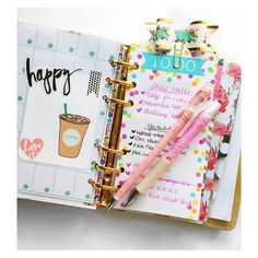 I only feel productive when I check off my to do list. Anyone else feel that way too? That way I know it's done #planningwithbelinda