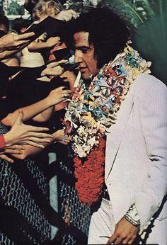 "January 1973 - Elvis ""Aloha, From Hawaii"" b/w Elvis Presley Hawaii, Elvis Presley Live, Elvis Aloha From Hawaii, Elvis Presley Photos, Rock And Roll Songs, Rock N Roll Music, Chuck Berry, Latest Albums, Graceland"