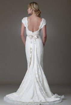 Romantic style is preferred by Italian and Japanese for the wedding dress