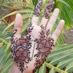clothes for women stylish Finger Henna Designs, Mehndi Designs 2018, Stylish Mehndi Designs, Wedding Mehndi Designs, Mehndi Designs For Fingers, Henna Tattoo Designs, Palm Mehndi Design, Mehndi Design Pictures, Beautiful Mehndi Design