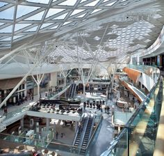 Westfield London Built on a 40 acre brown field site, Westfield London offers over of new retail and leisure opportunities, supported by public transport and infrastructure improvements. This exciting development delivers a new commercial Shopping Mall Interior, Retail Interior, Interior Shop, Interior Paint, Urban Architecture, Commercial Architecture, Architecture Symbols, Mall Design, Retail Design