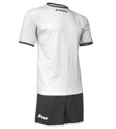 Fehér-Fekete Zeus Sticker Focimez Szett egyszerű, letisztult, tartós, könnyen száradó, kopásálló, klasszikus, kerek nyakú focimez szett. Utánpótlásnak is nagyszerű választás a kisebb méretek és a széles színkombinációk miatt is. Fehér-Fekete Zeus Sticker Focimez Szett 6 méretben és további 9 színkombinációban érhető el.