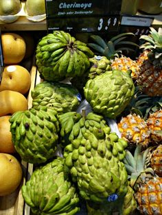 SARAMUYO is known in English as sugar apple or sweetsop, you can find it at the local markets or supermarkets in Yucatan. It has green scaly skin, with soft sweet white pulp.