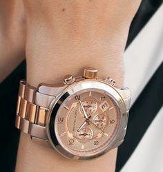 61efc689c01c3 14 melhores imagens de relógio   Bracelets, Clocks e Jewelry