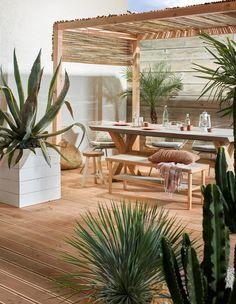 Ibiza vibes in je tuin: zo creëer je het! - KARWEI Ibiza vibes in your garden: that& how you create it! Diy Pergola, Pergola Screens, Small Pergola, Pergola Attached To House, Pergola With Roof, Pergola Shade, Gazebo, Pergola Ideas, Retractable Pergola