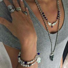 Lookeate este martes con estos accesorios muy Ángeles  #angelesdecristalaccesorios #rings #collares #cristales #angeladas #obsidiananegra #pulseras #alpaca #moda #tendencias2017 #instalike #repostapp #aw17 #fallwinter2017 ♀ Ph: GM Ella: efrig #mimodelotop