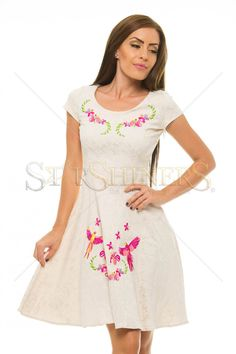 StarShinerS Brodata Phoenix Nude Dress Nude Dress, Dresses For Work, Summer Dresses, Clothing Items, Floral Embroidery, Trendy Outfits, Floral Prints, Short Sleeves, Feminine